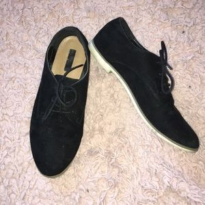 Forever 21 Black Suede Oxford Flats SZ 8